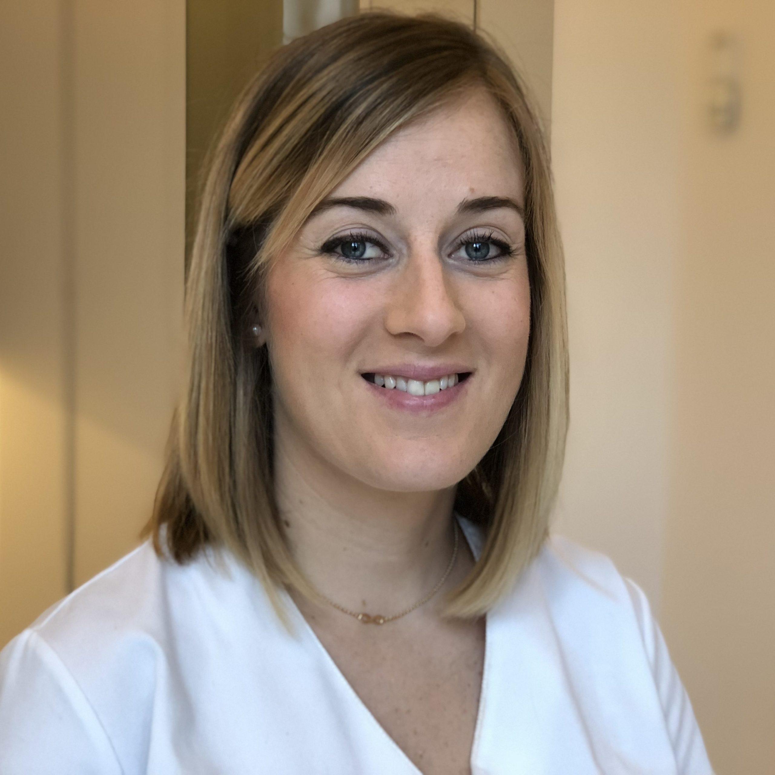 Mariona Herranz, auxiliar sanitaria y especialista en micropigmentación láser en el Centro de Medicina Estética Dra. Escoda