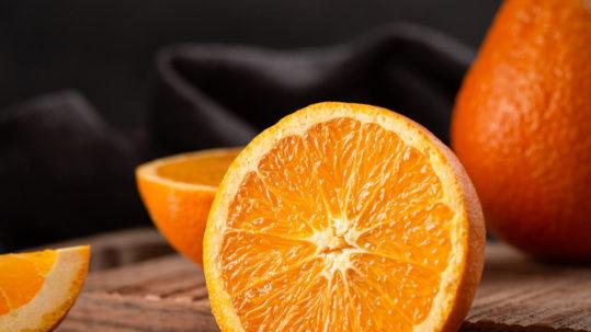 Anticelulítico corporal casero con ingredientes naturales como la naranja y la canela