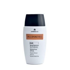 Fluido Mineral SPF50, Protección solar para cara, cuello y escote de All Skin Med, de Cantabria Labs